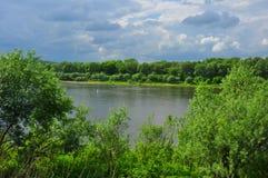 Den Oka floden i Tarusa, Kaluga region, Ryssland Arkivfoton
