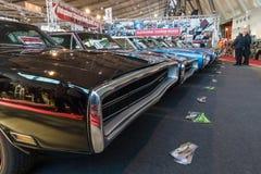 Den olika Dodge uppladdaren (muskelbil), modesl 500 och R/T står i rad Royaltyfri Fotografi