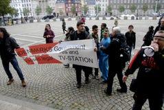 DEN OLIKA PROTESTEN SAMLAR Arkivbild