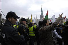DEN OLIKA PROTESTEN SAMLAR Arkivfoton