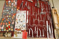 Den olika saker säljs på Dry bromarknad Fotografering för Bildbyråer