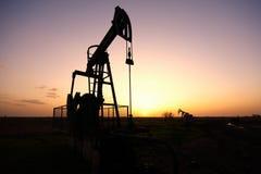 Den olje- pumpen Royaltyfri Bild