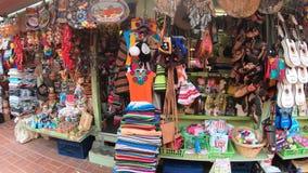 Den Olvera gatagatan shoppar arkivfilmer