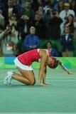 Den olympiska mästaren Monica Puig av Puerto Rico firar seger efter finalen för singlar för tenniskvinna` s av Rio de Janeiro 201 Royaltyfria Foton