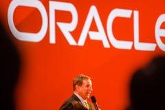 Den Oracle presidenten Mark Hurd gör anförande på den Oracle OpenWorld konferensen Arkivfoton