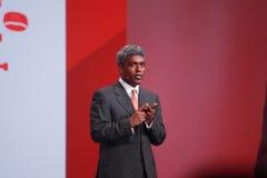 Den Oracle verkställande vice ordföranden Thomas Kurian gör anförande på den OpenWorld konferensen royaltyfri foto