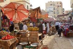 Den orientaliska marknaden av Aswan i Egypten Royaltyfri Foto