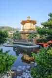 Den orientaliska paviljongen av absolut perfektion i Nan Lian Garden, Chi Lin Nunnery royaltyfria foton