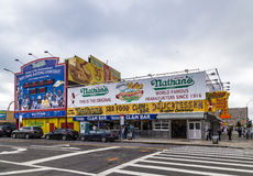 Den original- restaurangen för Nathan ` s på Coney Island, Arkivbild