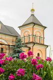 Den ortodoxa kloster av Vvedenskaya Optina Pustyn i den Kaluga regionen av Ryssland Royaltyfri Bild