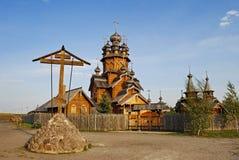 Den ortodoxa kyrkan av träramen Royaltyfri Foto