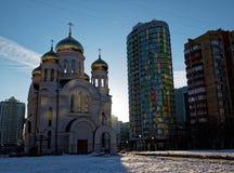 Den ortodoxa kyrkan i vintern Royaltyfria Foton