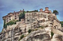 Den ortodoxa medeltida kloster vaggar överst Arkivfoton