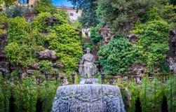 Den ovala springbrunnen i ` Este, Tivoli, landskap för villa D av Rome, Lazio, centrala Italien Royaltyfri Fotografi