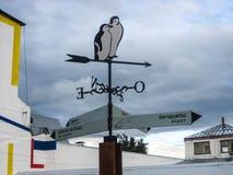Den ovanliga gatan undertecknar in Ushuaia Argentina Royaltyfri Fotografi