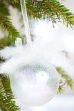 Den pärlemorfärg julen klumpa ihop sig Arkivbild