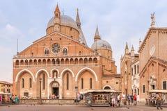 Den påvliga basilikan av St Anthony av Padua Royaltyfri Bild