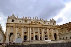 Den påvliga basilikan av St Peter Royaltyfri Bild