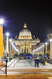 Den påvliga basilikan av St Peter i Vaticanet City Royaltyfri Fotografi