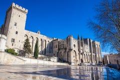 Den påvliga slotten på Avignon Frankrike Arkivbild