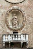 Den Palazzo dellaen Ragione med för Orologio för Torre dell` `en för torn för klocka `, Mantua, Arkivbild