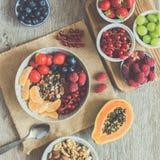 Den Paleo stilfrukosten, korn frigör granola fotografering för bildbyråer