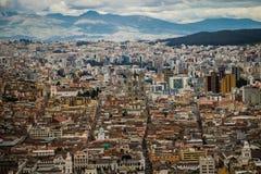 Den panoramatic sikten av Quitostaden, Ecuador Royaltyfria Foton