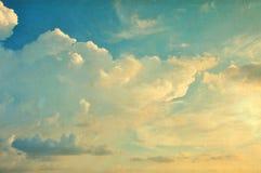 Den pappers- skyen texturerar Royaltyfri Bild