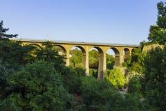 Den Passerelle bron Arkivfoton