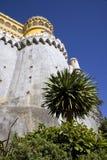 Den Pena slotten Portugal på en höjdpunkt vaggar, den moriska eklektiska stilen för slotten, stoltheten av Portugal Palma Royaltyfri Foto