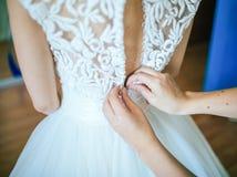 Den perfekta bröllopsklänningen Arkivbilder