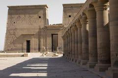 Den Philae templet på den Agilkia ön i sjön Nasser nära Aswan, E Royaltyfri Fotografi