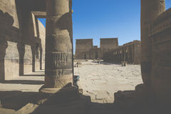 Den Philae templet på den Agilkia ön i sjön Nasser nära Aswan, E Arkivfoton