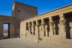 Den Philae templet på den Agilkia ön i sjön Nasser nära Aswan, E Royaltyfria Bilder