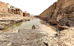 Den Phoenecian havsväggen på Batroun, Libanon royaltyfri fotografi