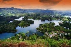 Den pittoreska Guatape sjön - El Penol - i den Antioquia avdelningen som ses från El Penon de Guatape Arkivfoton
