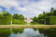 Den pittoreska sikten på abbotslott i Oliwa parkerar i Gdansk Royaltyfria Foton