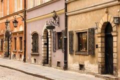 Den Piwna gatan i den gammala townen. Warsaw. Polen Royaltyfria Bilder