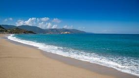 Den Plagede Santana stranden på Sagone i Korsika royaltyfri fotografi