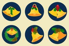 Den plana symbolsuppsättningen, julklockor planlägger, glad x-mas smsar Royaltyfri Bild