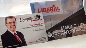 Den politiska plattformen och gemenskap kontrollerar in från Richard Brown, PEI Liberal Party för det provinsiella valet royaltyfri foto
