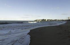 Den Ponta Negra stranden och Morro gör Careca arkivbild