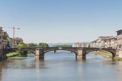 Den Ponte allaCarraia bron i Florence, Italien. Fotografering för Bildbyråer