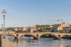 Den Ponte allaCarraia bron i Florence, Italien. Arkivbild