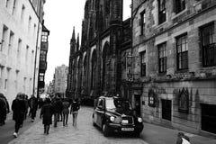 Den populäraste gatan i Edinburg Arkivbilder