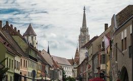 Den populäraste kyrkan i Budapest gatasikt Arkivfoto