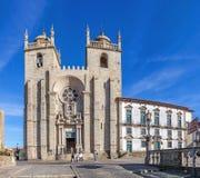 Den Porto domkyrkan eller Se Catedral gör Porto Arkivfoto