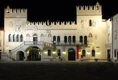 Den Praetorian slotten, Venetian gotisk slott i staden av Kop Arkivfoto