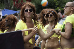 Den Provincetown karnevalet ståtar i Provincetown, Massachusetts på Augusti 22, 2013. Royaltyfri Bild