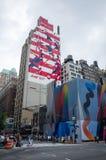 Den röd, för vit- och blåttBudweiser Rio de Janeiro 2016 för olympiska spel annonsen målade nolla arkivfoto